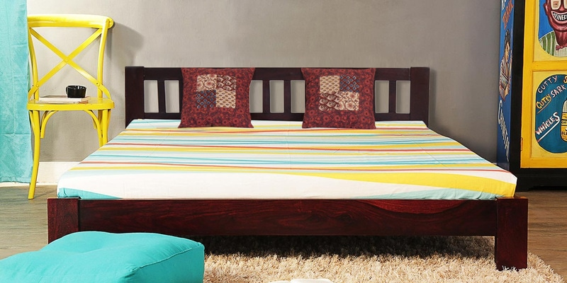 Amarillo Queen Size Bed in Passion Mahogany Finish by Woodsworth