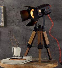 Black Metal Lex Tripod Table Lamp