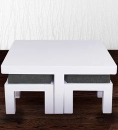 Coffee Table With Four Stools In White & Grey Colour