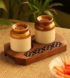 Exclusivelane Old Fashioned Martban Ceramic Salt & Pepper Shaker With Hand Carved Tray - Set Of 3