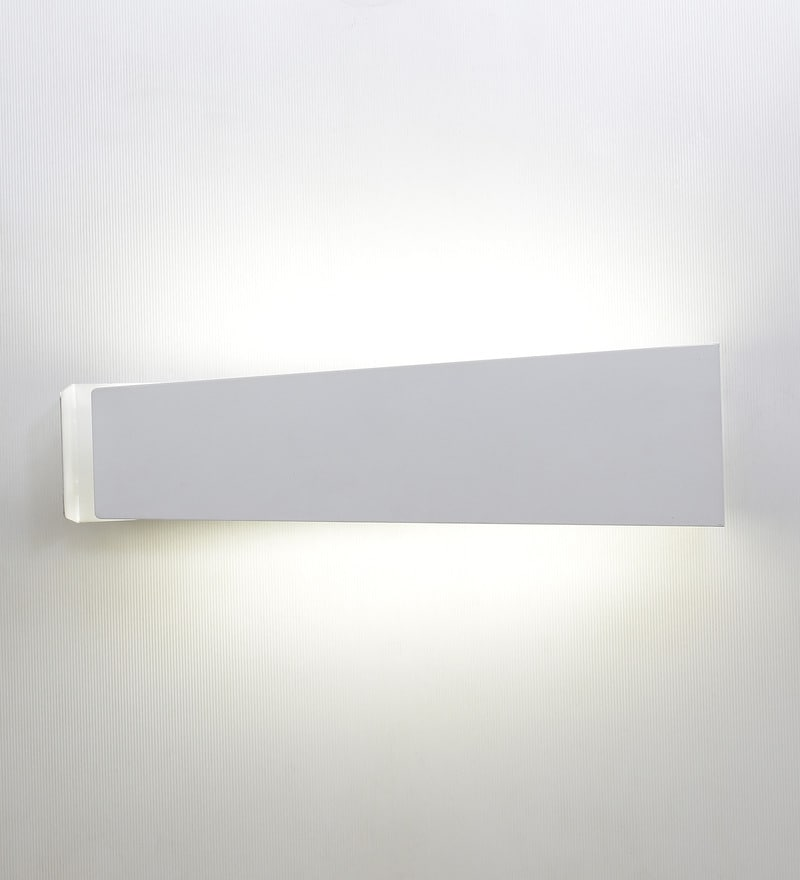 Paramount White Metal Wall Light by Jainsons Emporio