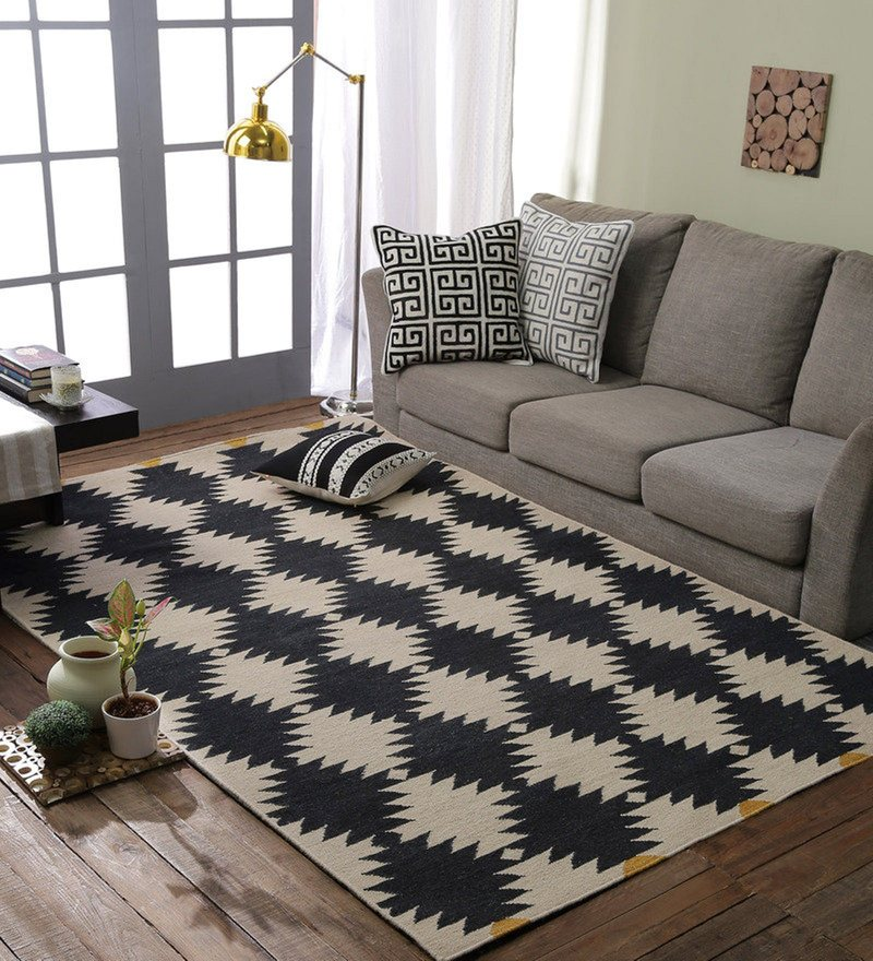 Black & Beige 100% Wool Area Rug by Loom Works