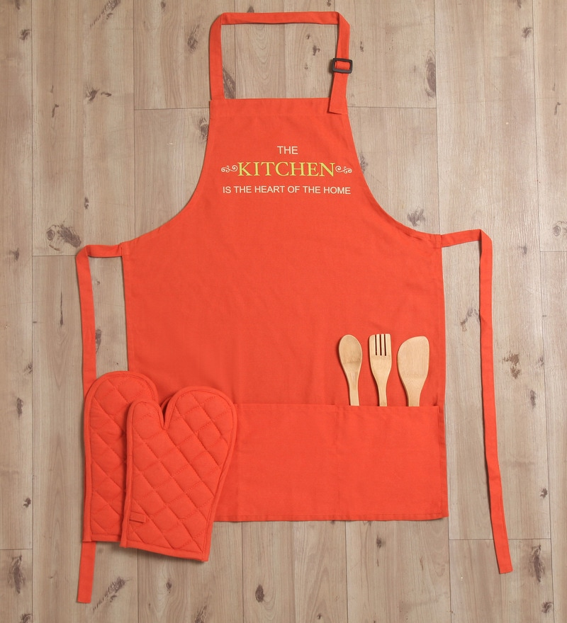 Lushomes Witty Kitchen Is The Heart Maroon Cotton Apron with 2 Oven Mittens