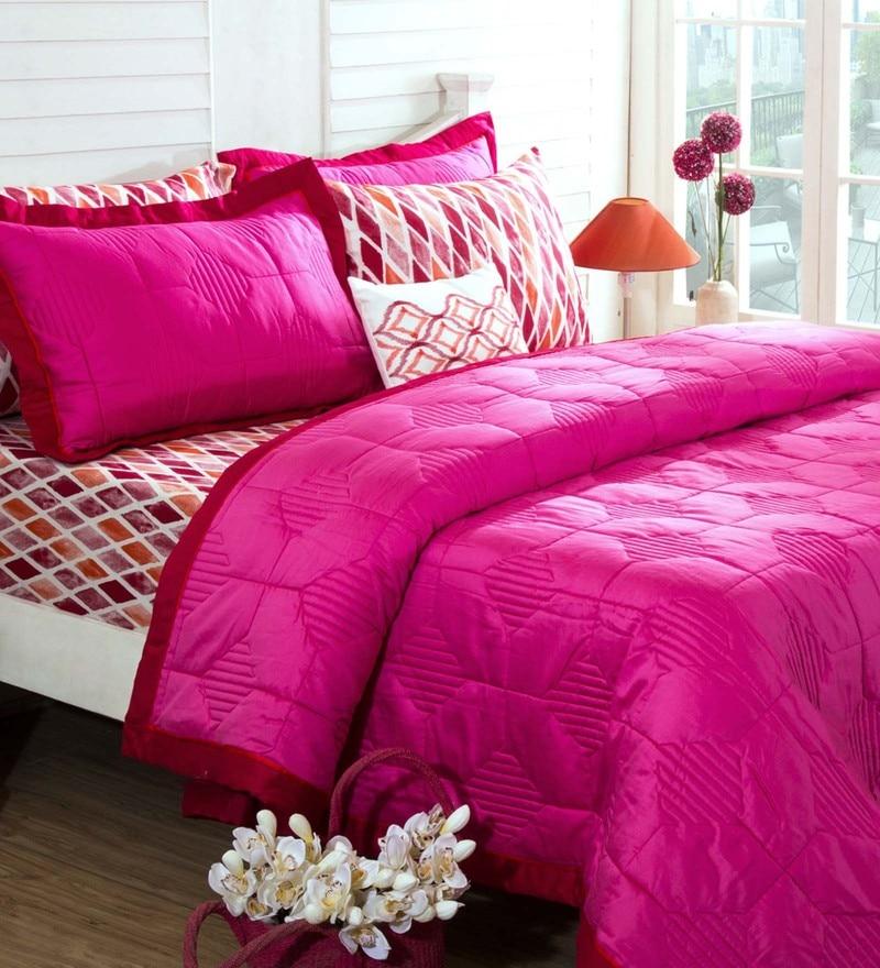 Red 100% Cotton 98 x 102 Inch Spring Solitaire Mosaic Diamond Double Quilt by Maspar