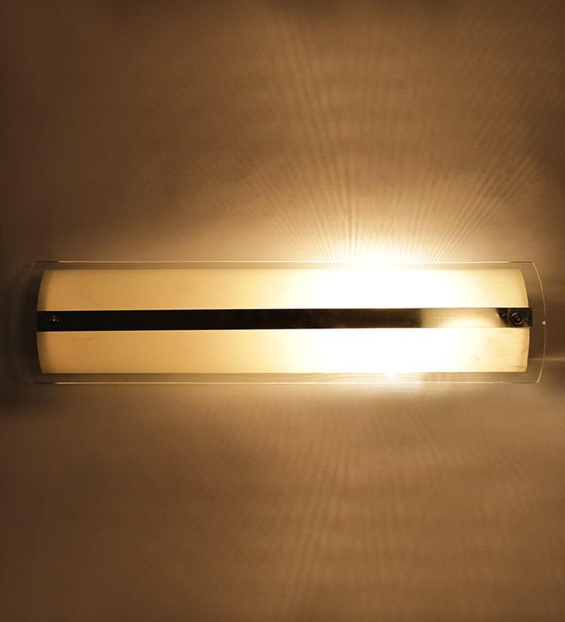 Horizontal Stripe Bathroom Light by New Era