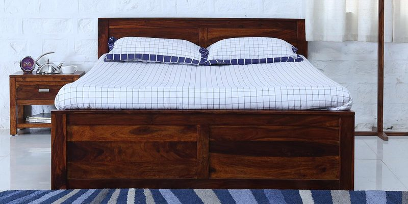 Oriel Solidwood Queen Bed in Honey oak Finish by Woodsworth