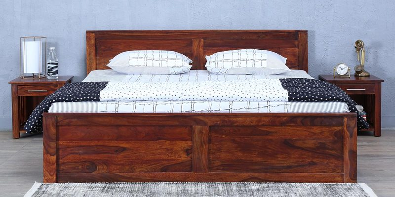 Oriel Queen Bed with Box Storage in Honey oak Finish by Woodsworth