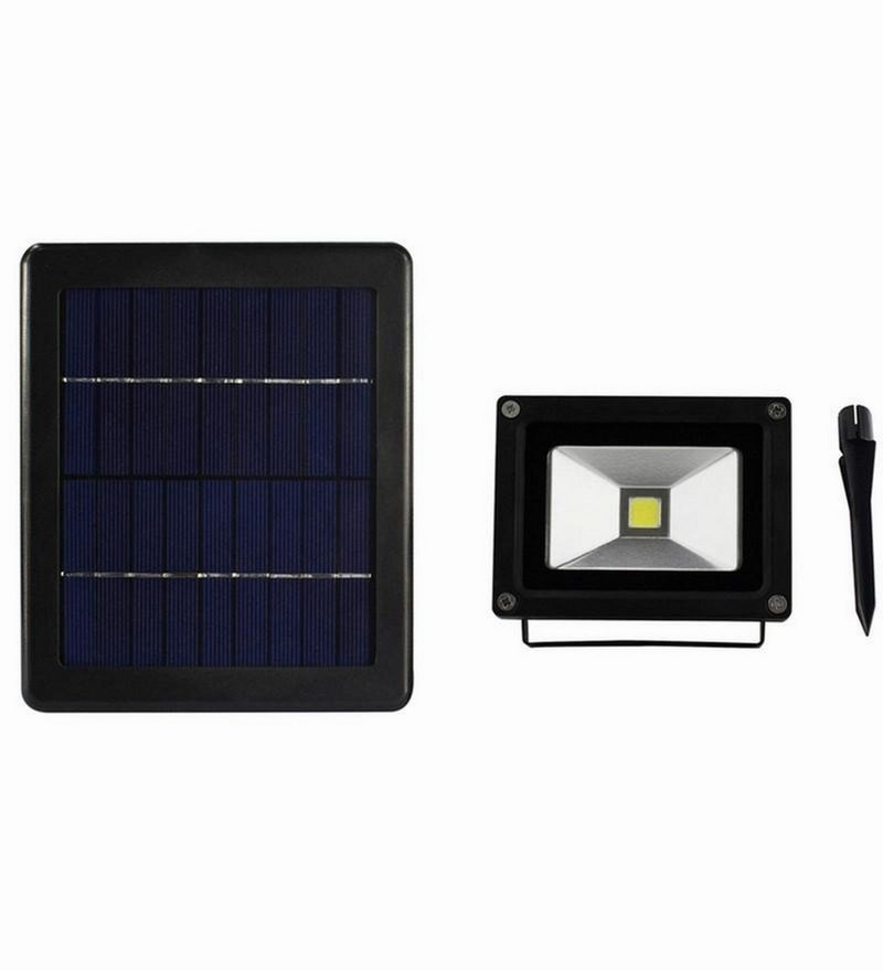 Solar Powered 400 Lumens Flood Light by Quace