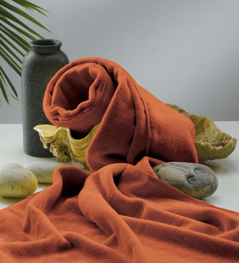 Flyer Rust Cotton Bath Towel by Raymond Home