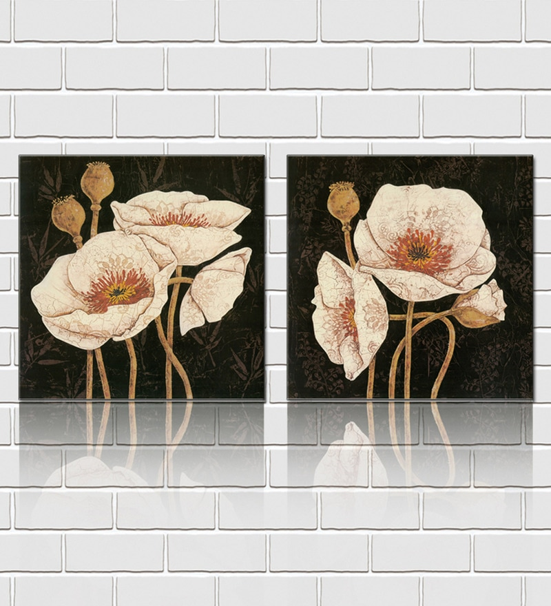 Retcomm Framed Multiple Canvas Paintings White mushroom like flowers in light shade imprinted on crumpled paper