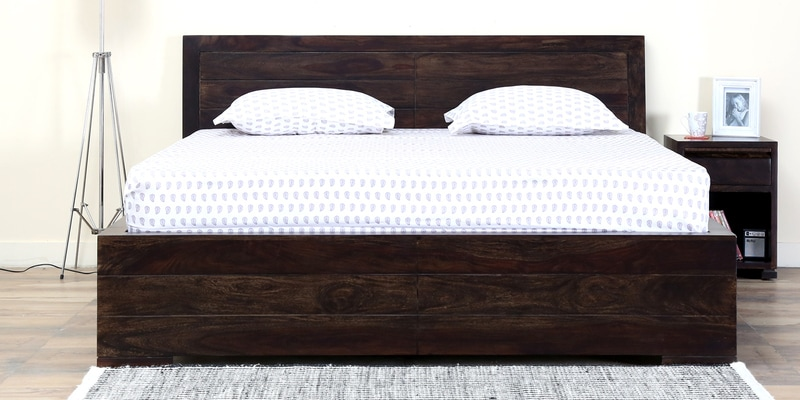Segur Solidwood Queen Bed in Warm Chestnut Finish by Woodsworth