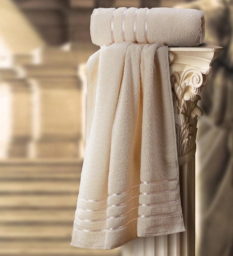 Roman Cream Cotton Medium Bath Towel by Spread
