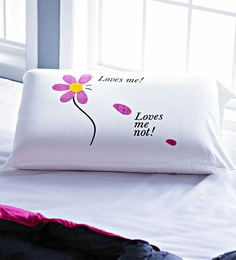 Stoa Paris Loves Me Loves Me Not White Cotton Pillow - Set Of 3