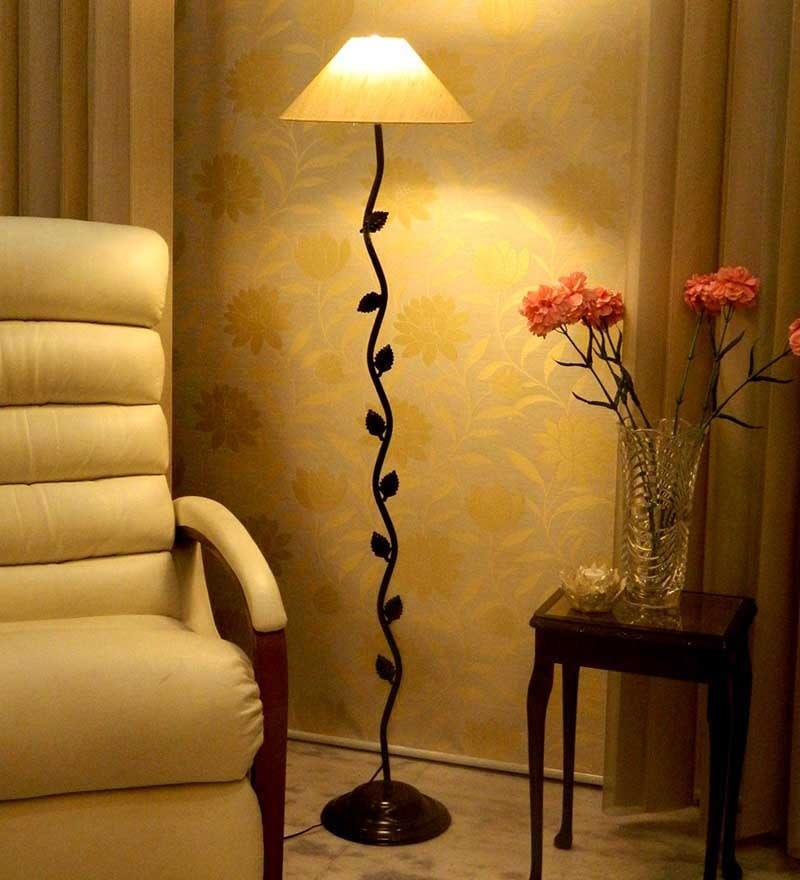 Black Floor Lamp by Tu Casa