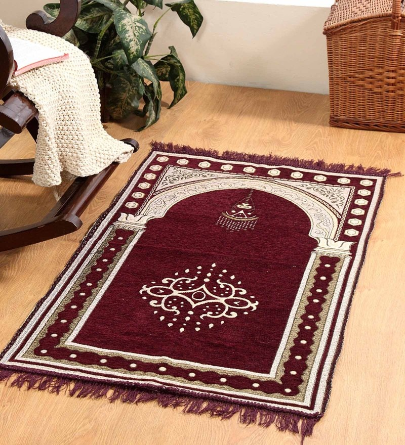 Maroon Velvet 46 x 27 Inch Traditional Prayer Mat by Valtellina