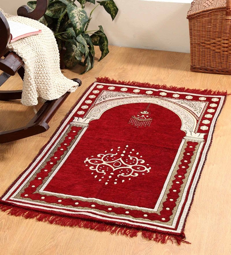 Red Velvet 46 x 27 Inch Traditional Prayer Mat by Valtellina
